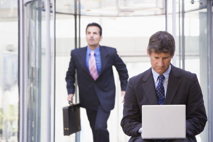 Mengatasi karyawan yang sering terlambat kerja