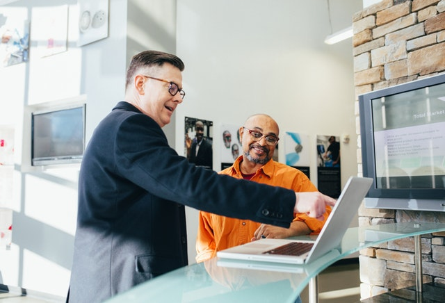 7 Pekerjaan Yang Tepat Untuk Fresh Graduate Semua Jurusan - Sales