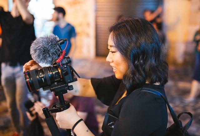 7 Pekerjaan Yang Tepat Untuk Fresh Graduate Semua Jurusan - Wartawan