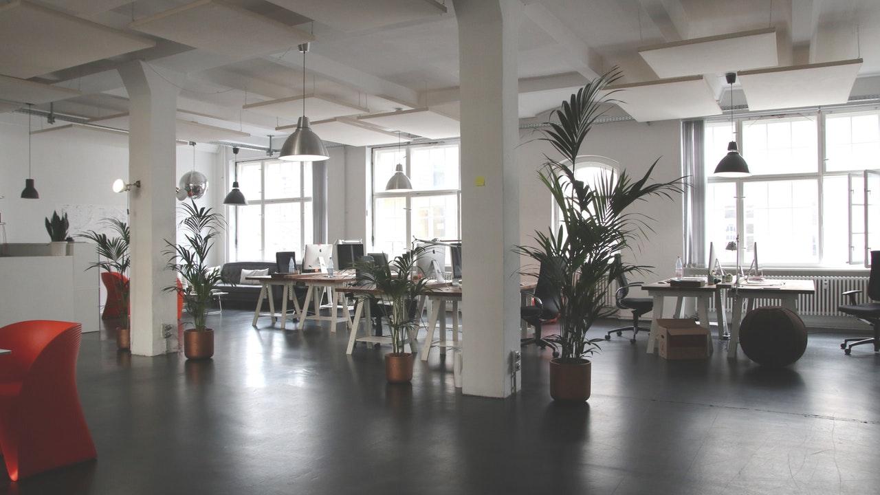Cara Jitu Membuat Karyawan Betah Di Kantor - Menghias Ruangan Kantor